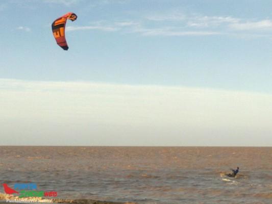 kitesurf en El Pericon Punta Indio