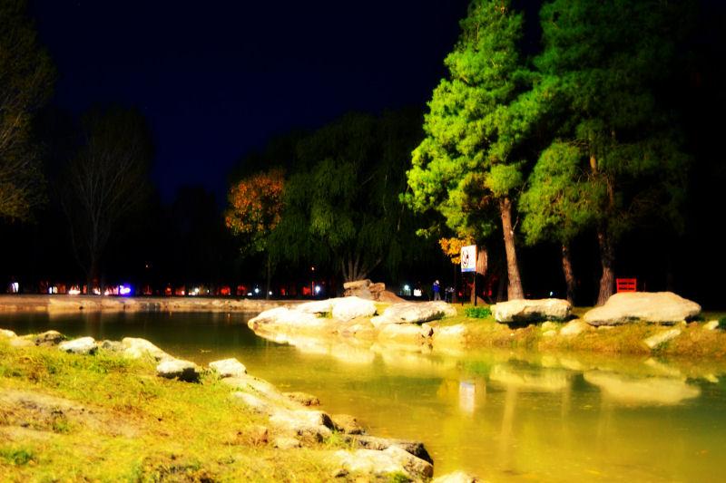 laguna del anfiteatro de noche