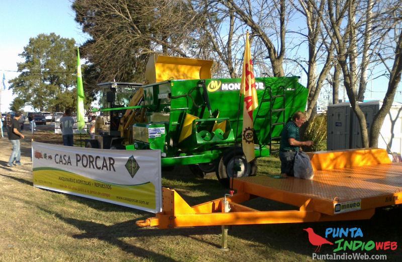 maquinaria de Expo Terneta 2013 mixer acoplado