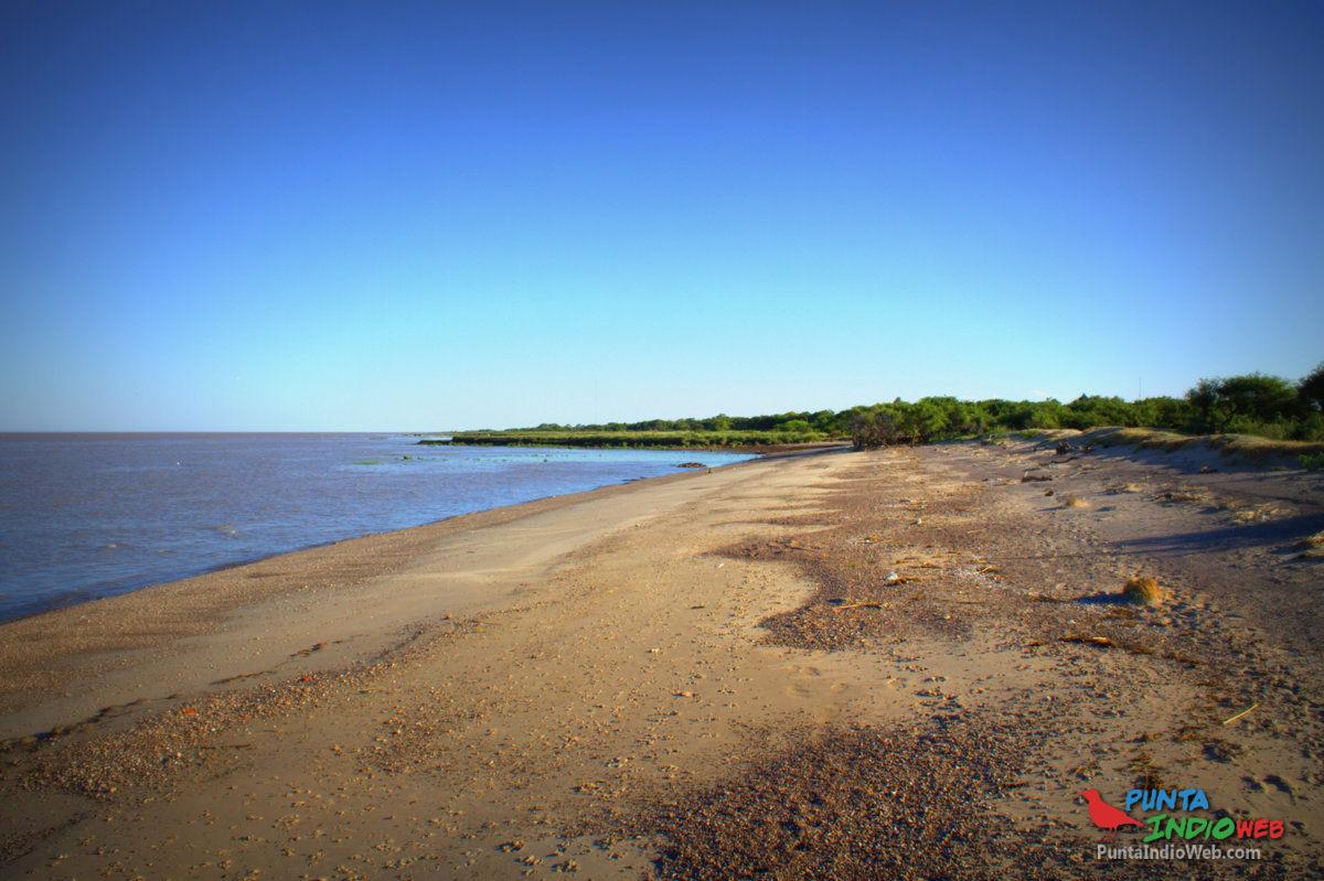 playas de quincho de castelli punta piedra