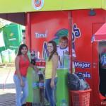 Stand y promotoras de Gaseosa Manaos