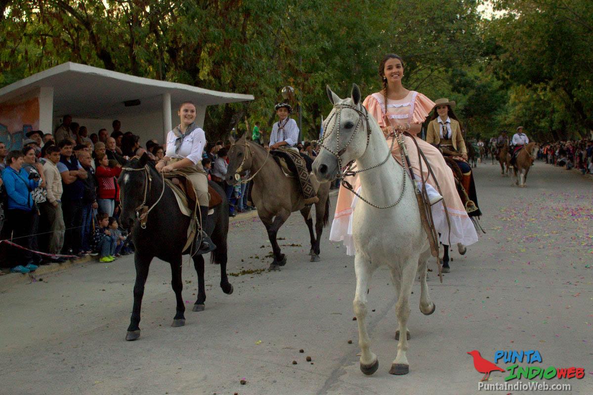 Desfile del Centenario de Verónica