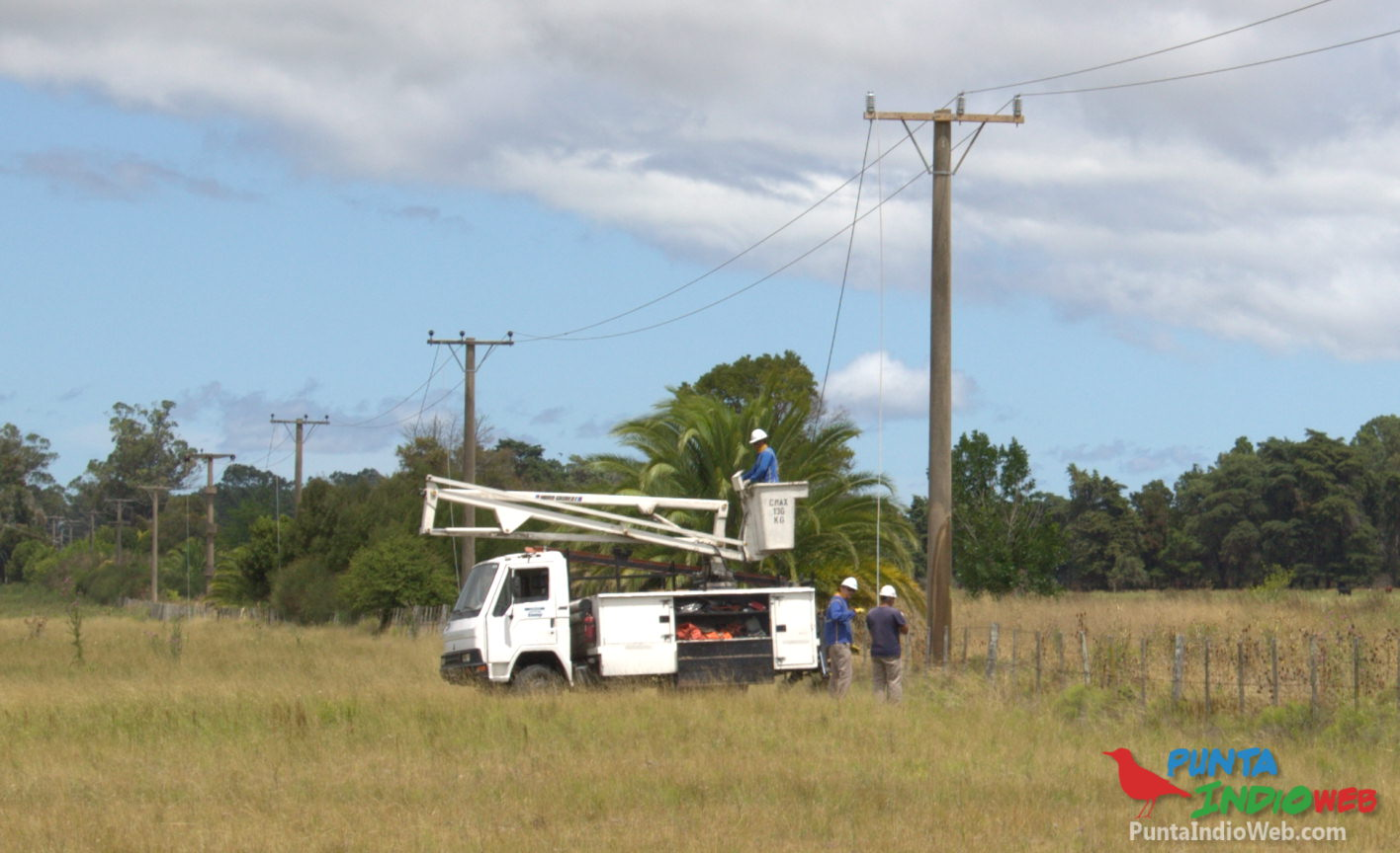 La tormenta causó caída de cables